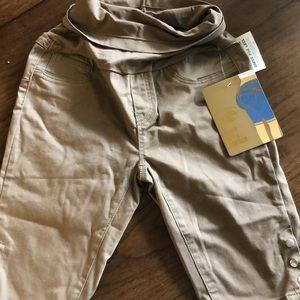 Medium maternity shorts